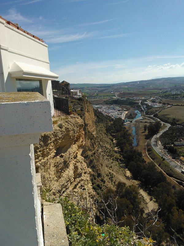 ArcosCliffSide